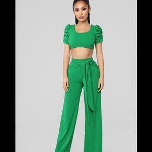 NWT Kelly Green 2 piece pant set
